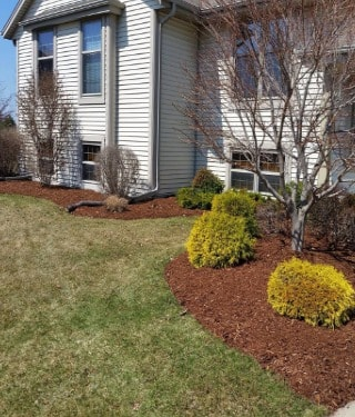 Professional Mulch Installation Services in New Berlin